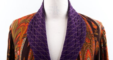 A men's dressing gown called a banyan was worn around 1900 by Dr. Fremont Barfoot.